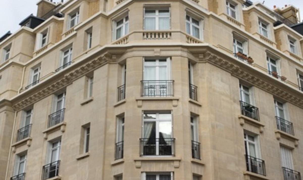 Près de la place de Breteuil à Paris XVème